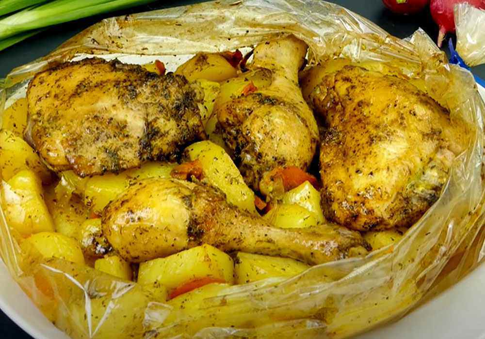 Окорочка в рукаве в духовке с картошкой - пошаговый рецепт, фото 1