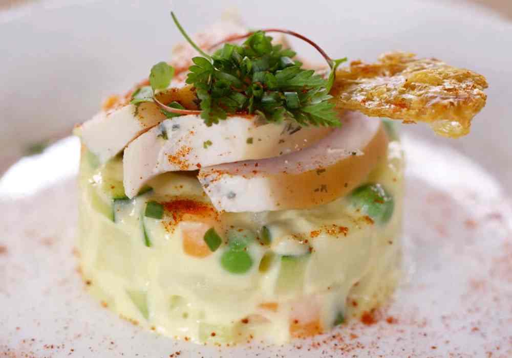 Оливье с копченой курицей - пошаговый рецепт, фото 1