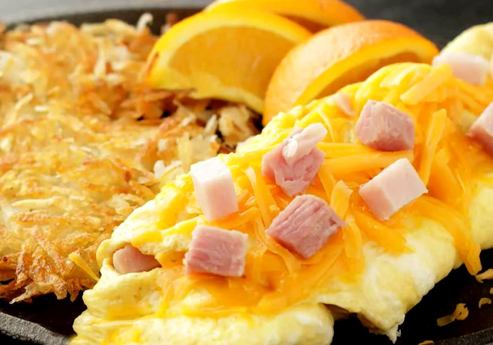 Омлет с колбасой - пошаговый рецепт, фото 1