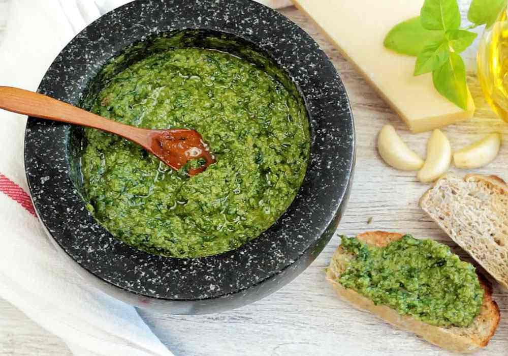 Песто с грецкими орехами - пошаговый рецепт, фото 1