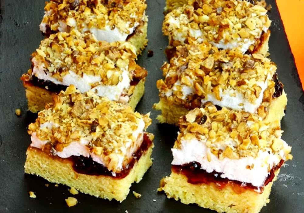 Пиріг на кефірі з варенням - покроковий рецепт, фото 1