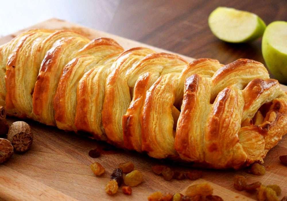 Пиріг з яблуками, родзинками і корицею - покроковий рецепт, фото 1