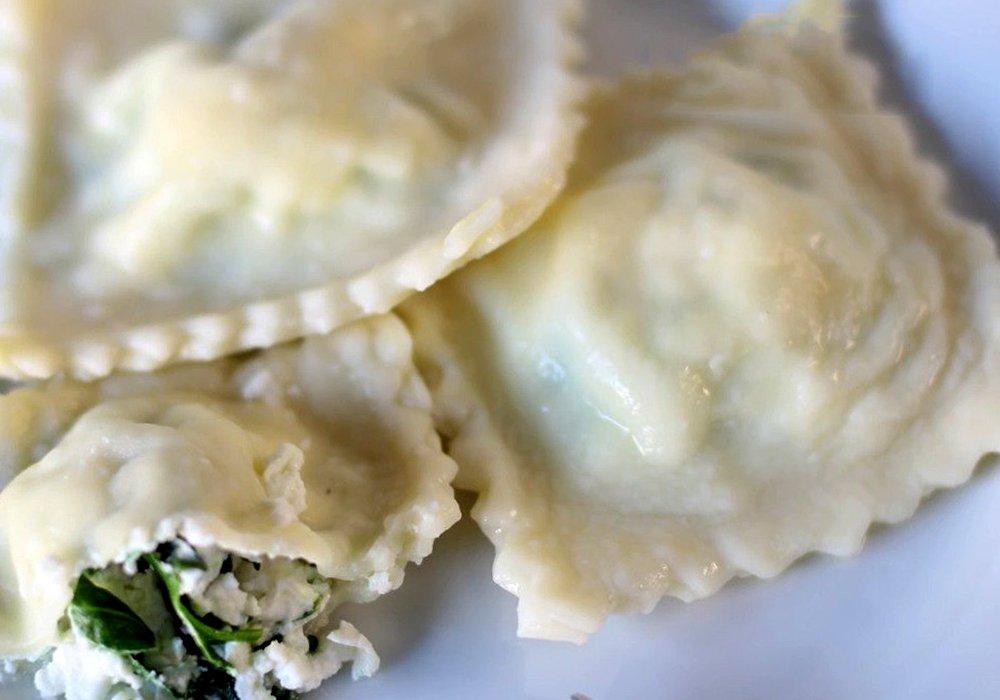 Равиоли со шпинатом и сыром рикотта - пошаговый рецепт, фото 1