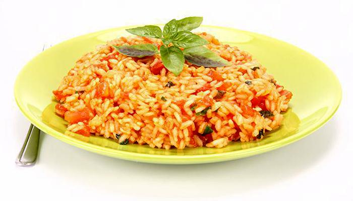 Рис в томатному соусі на сковороді - покроковий рецепт, фото 1