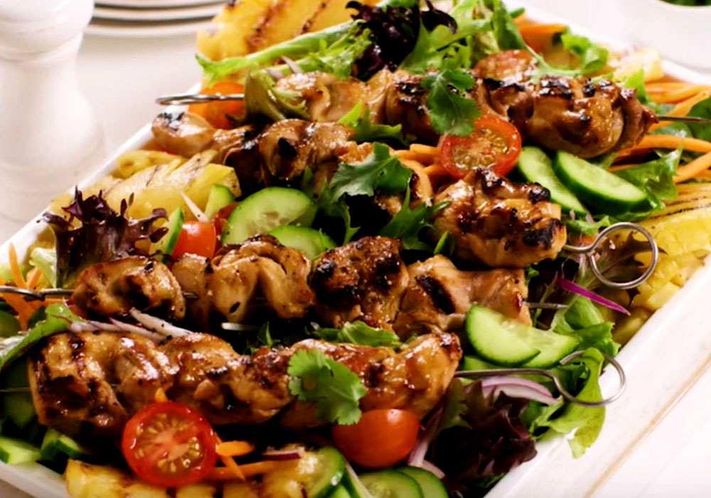 Салат из курицы с ананасами классический - пошаговый рецепт, фото 1