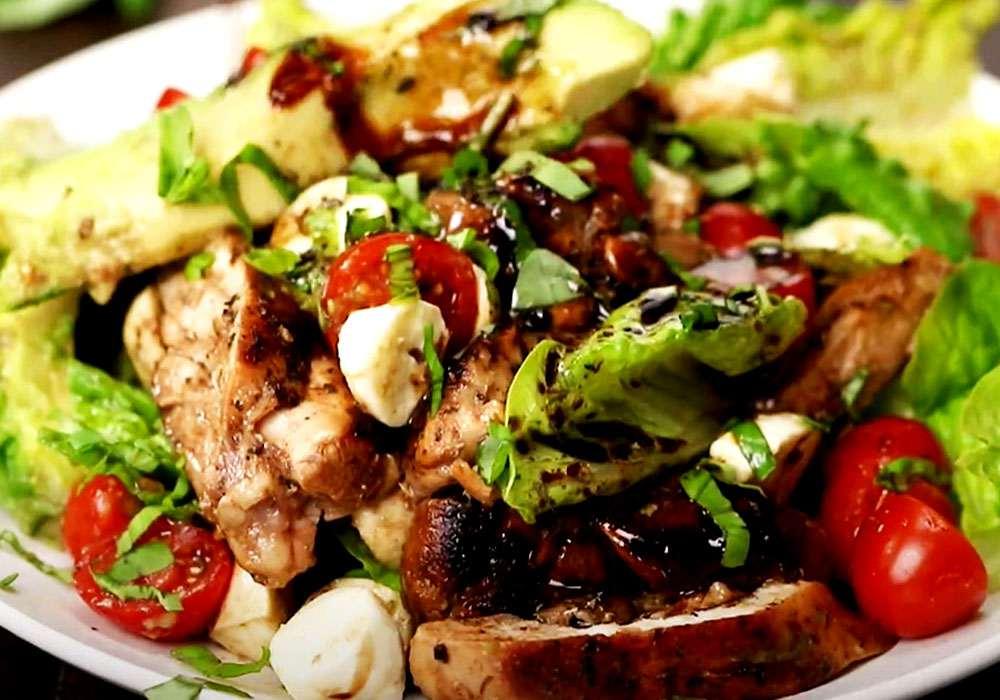 Салат з помідорів, моцарели і авокадо - покроковий рецепт, фото 1
