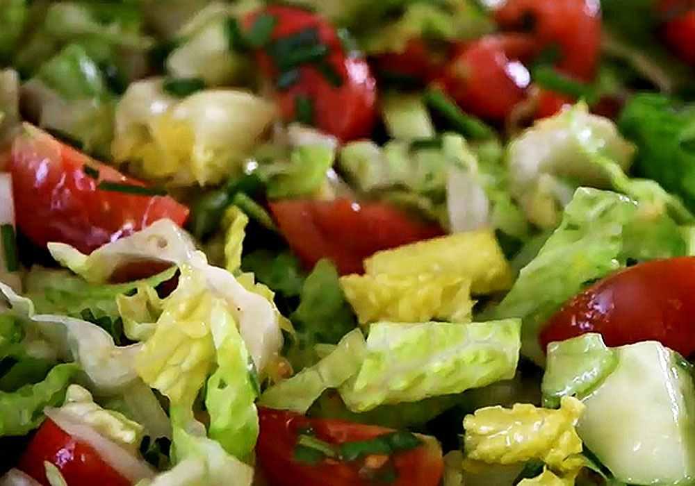 Салат из свежей капусты с помидорами - пошаговый рецепт, фото 1