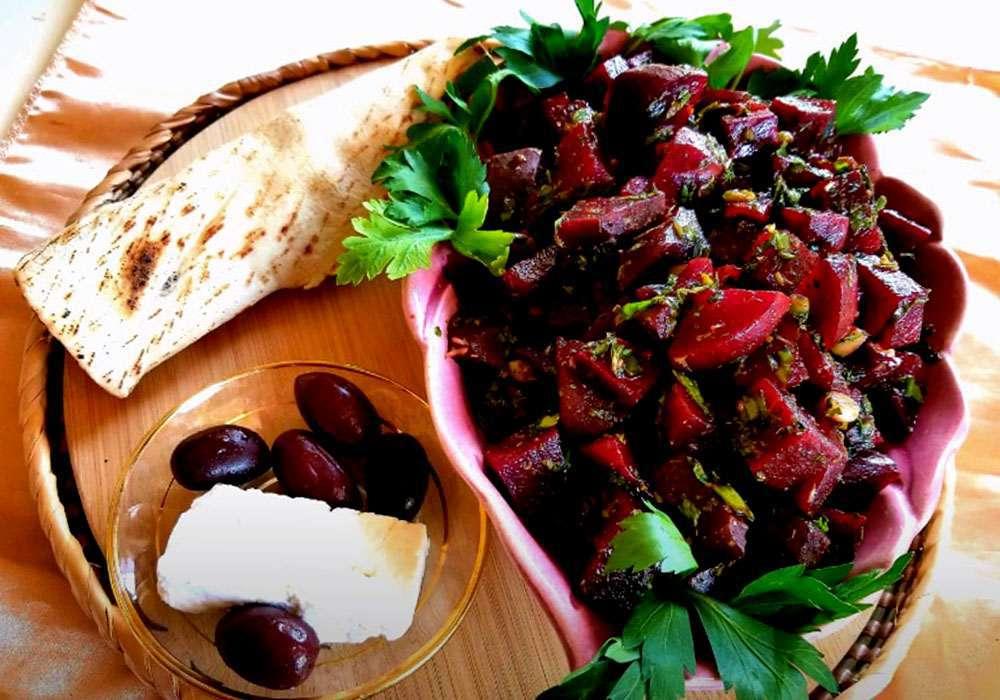 Салат из свеклы с чесноком - пошаговый рецепт, фото 1