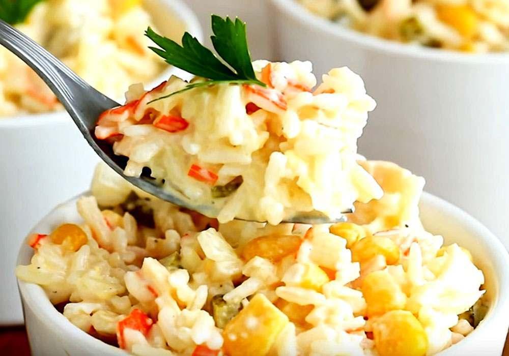 Салат с крабовыми палочками - пошаговый рецепт, фото 1