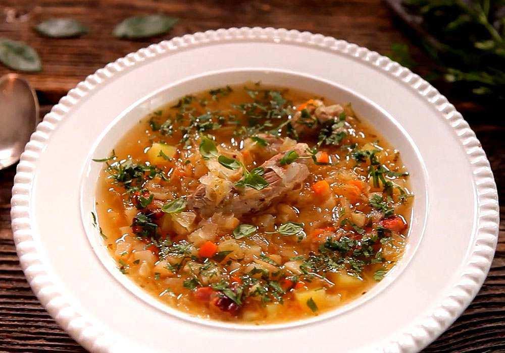 Щи из квашеной капусты с ребрышками - пошаговый рецепт, фото 1