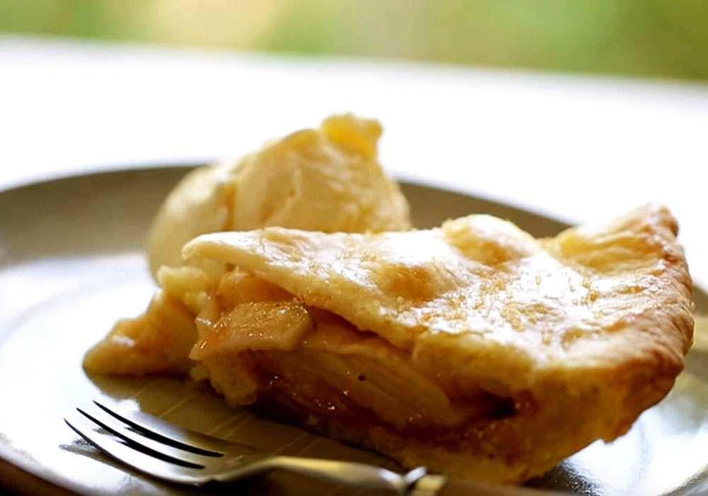 Шарлотка с яблоками - пошаговый рецепт, фото 1