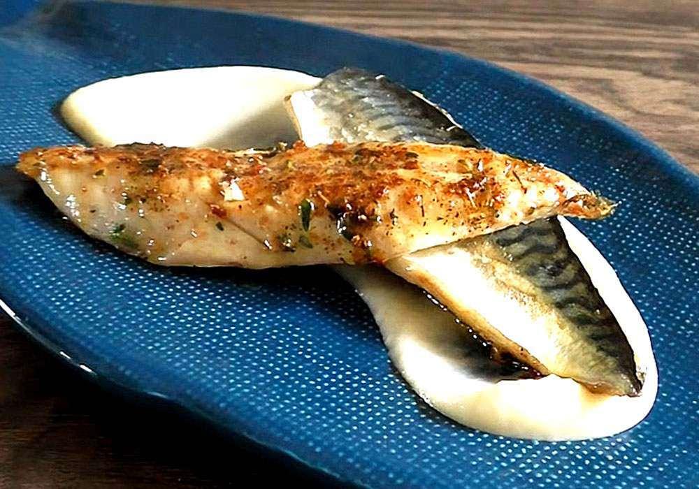 Скумбрия на сковороде жареная быстро и вкусно - пошаговый рецепт, фото 1