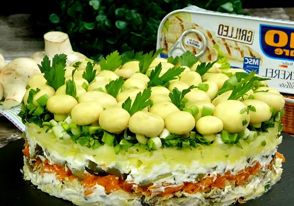 """Слоеный салат """"Грибная поляна"""" - пошаговый рецепт, фото 1"""