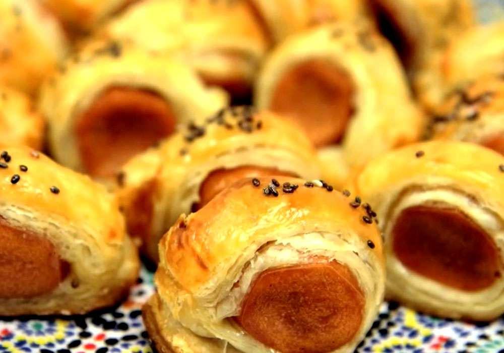 Сосиски в готовом слоеном тесте - пошаговый рецепт, фото 1