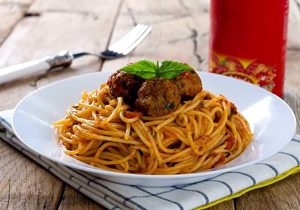 Спагетти с тефтелями в томатном соусе - пошаговый рецепт, фото 1