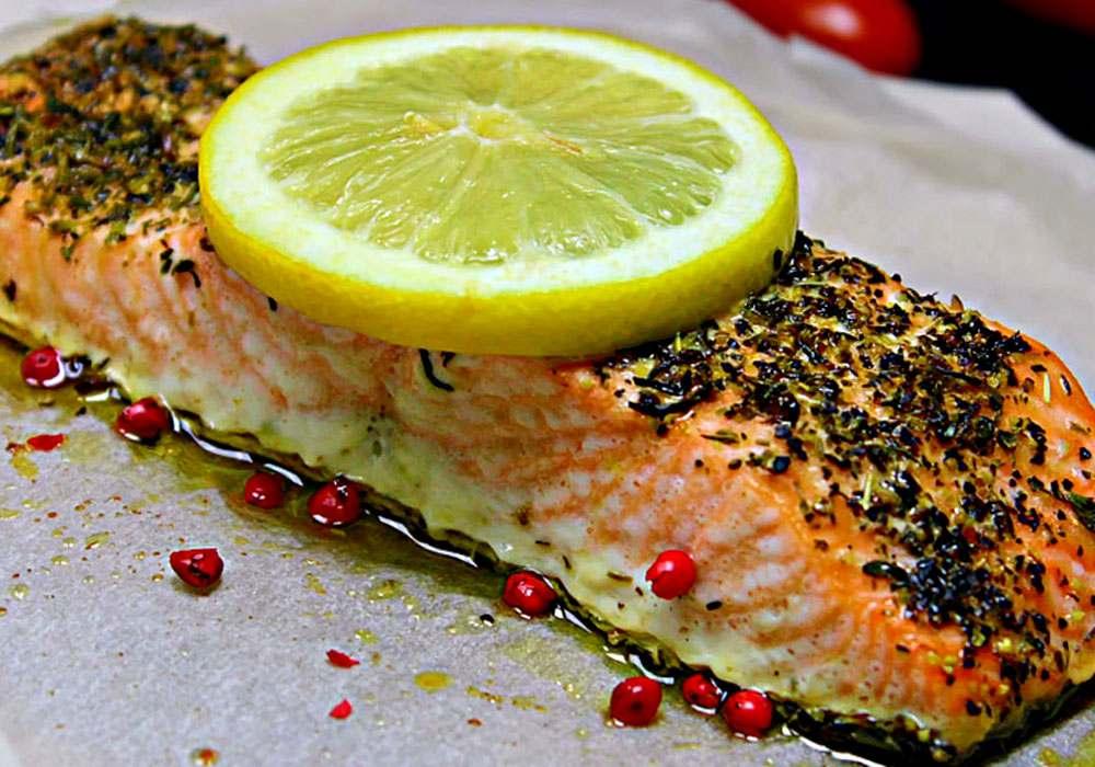 Стейк лосося, запеченный в пергаментной бумаге - пошаговый рецепт, фото 1