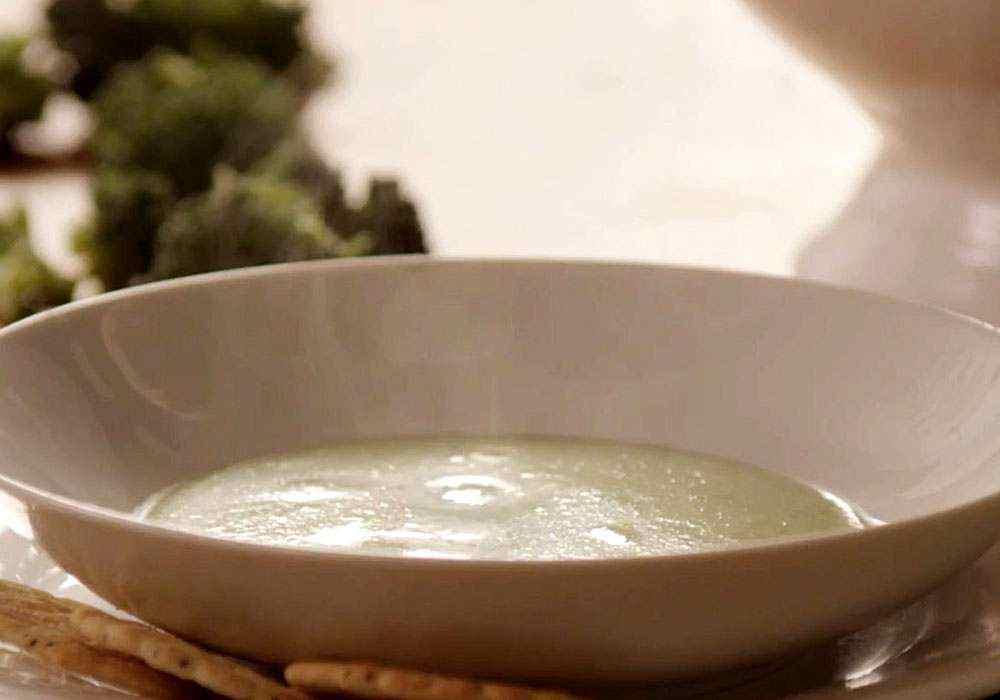 Суп-пюре с брокколи со сливками - пошаговый рецепт, фото 1