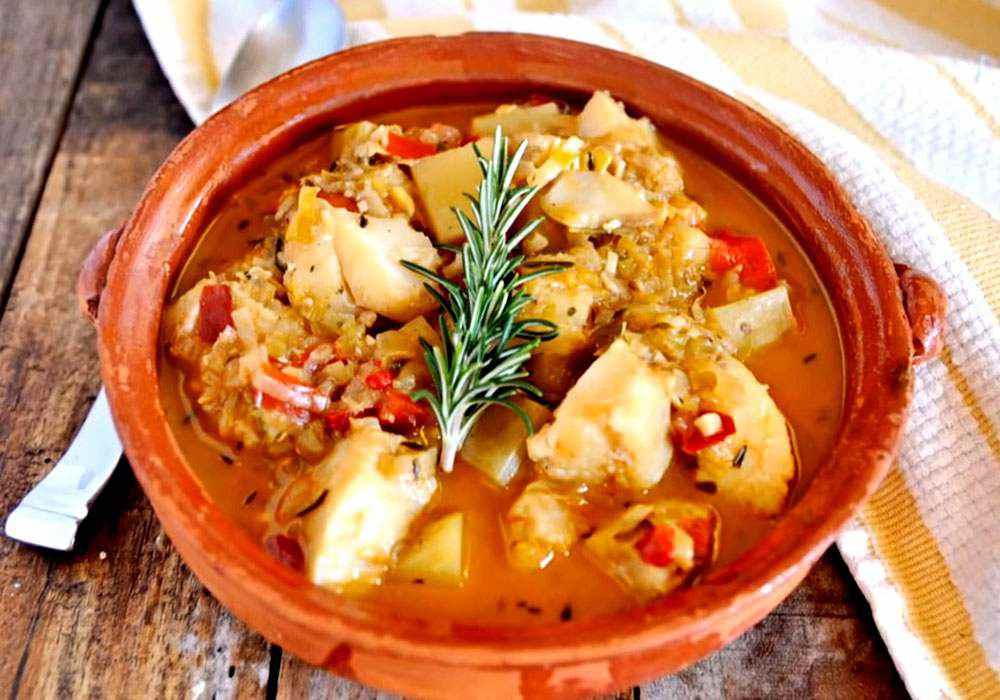 Треска тушеная с овощами и луком - пошаговый рецепт, фото 1