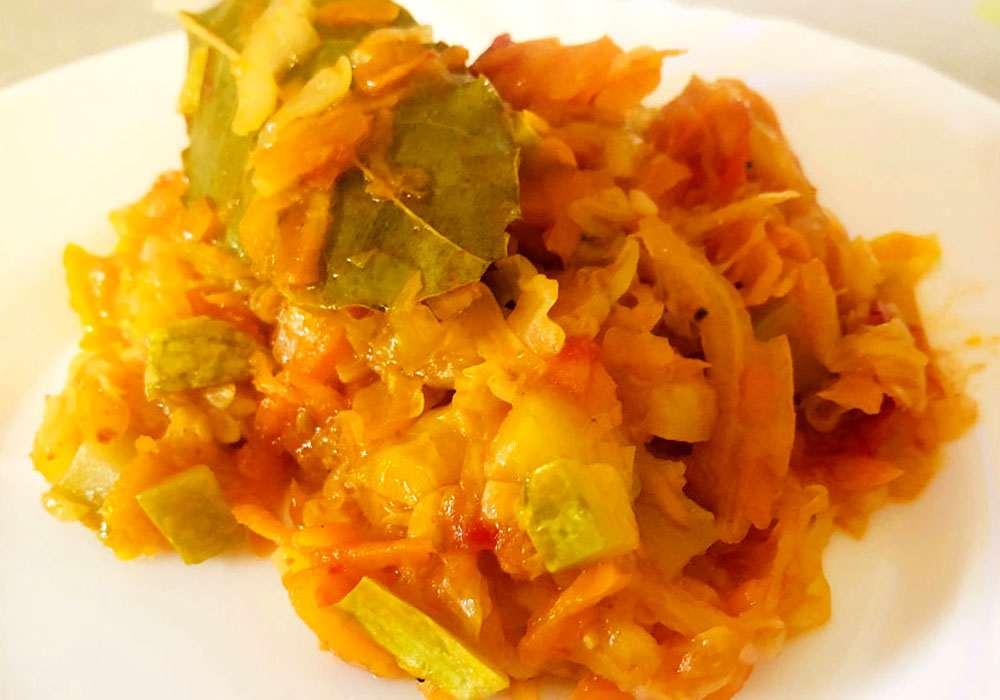 Тушеная капуста - пошаговый рецепт, фото 1