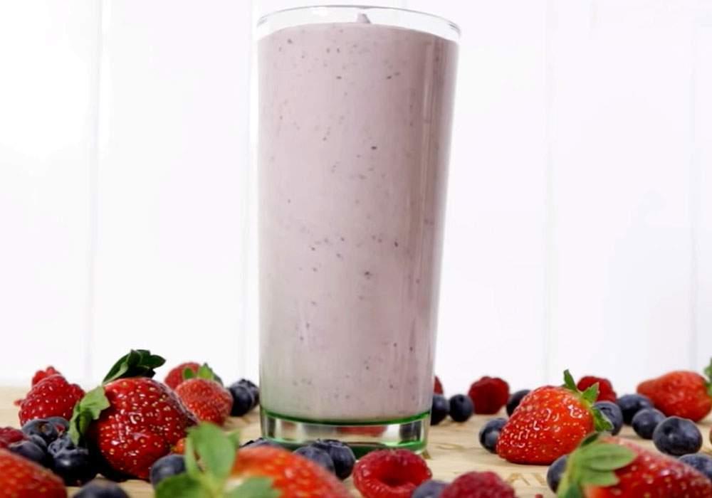 Ягодный смузи с йогуртом - пошаговый рецепт, фото 1