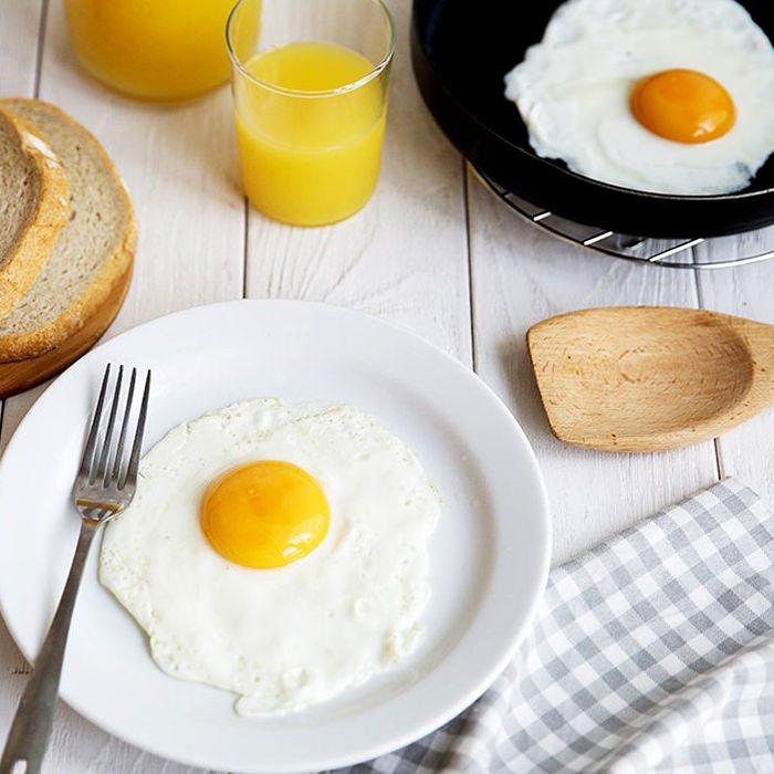 Яичница - глазунья - пошаговый рецепт, фото 1
