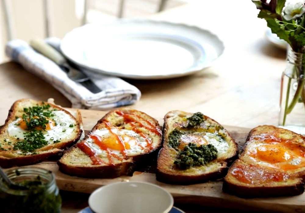 Яйца в тостах с молотым перцем - пошаговый рецепт, фото 1