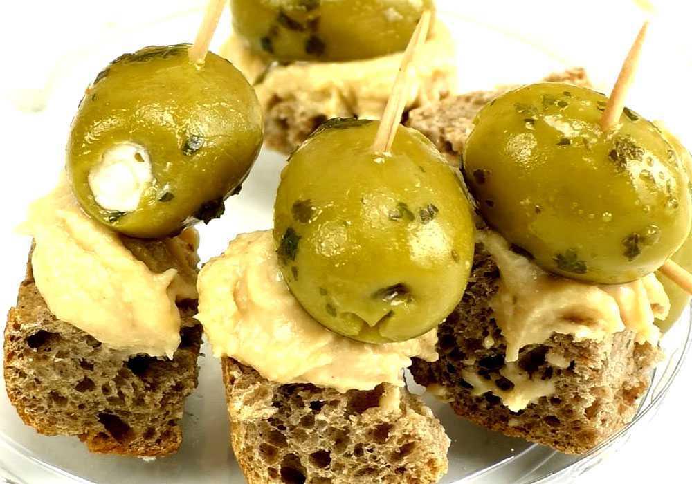 Закуска на шпажках з оливками - покроковий рецепт, фото 1