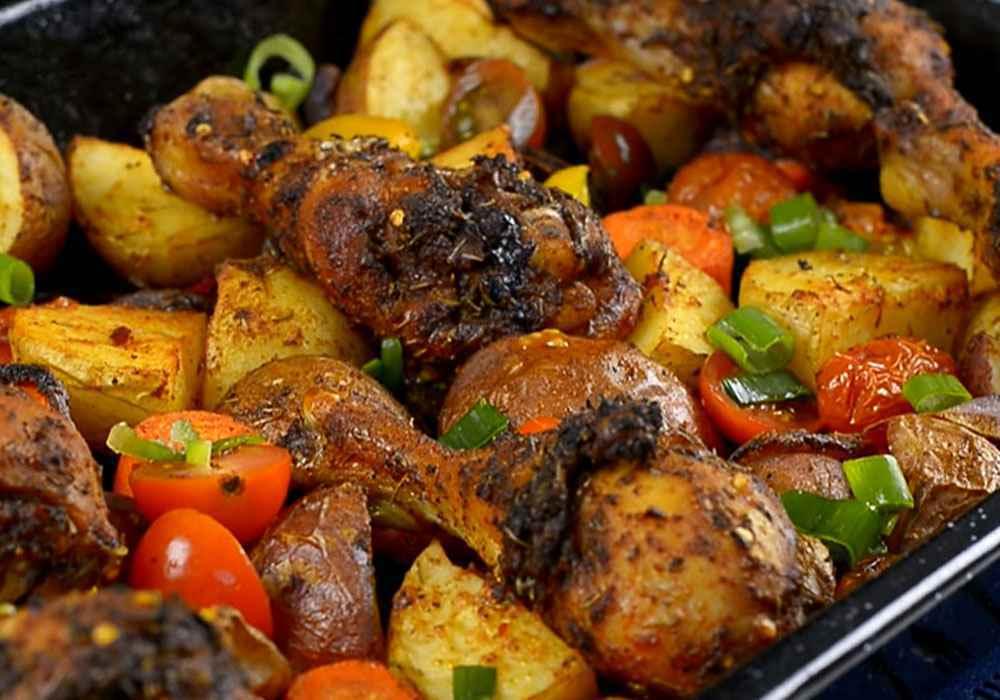 Запеченные куриные голени с картошкой в духовке - пошаговый рецепт, фото 1